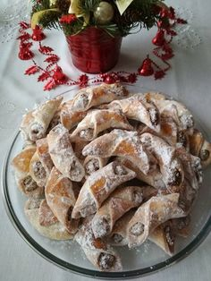 Pozsonyi kifli Poppy Cake, Cake Recipes, Dessert Recipes, Hungarian Recipes, Hungarian Food, Small Cake, Bread And Pastries, Cookie Desserts, Sweet And Salty