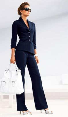 Dress for success at work or for the job interview. Classic Navy, work style… Dress for success at work or for the job interview. Mode Outfits, Office Outfits, Fashion Outfits, Womens Fashion, Fasion, Trendy Fashion, Suit Fashion, Fashion 2018, Office Attire