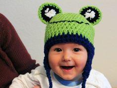 Nastja von DIY Eule zeigt Dir heute, wie Du ganz einfach diese supersüße Froschmütze für Babies und Kinder häkeln kannst. Dabei kannst Du den Kopfumfang individuell anpassen. Ein echter Hingucker und ein tolles Geschenk!
