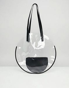 Buy ASOS DESIGN plastic circle shopper bag with pouch at ASOS. Get the latest trends with ASOS now. My Bags, Purses And Bags, Fashion Weeks, Sac Michael Kors, Transparent Bag, Fashion Bags, Womens Fashion, Fashion Fashion, Clear Bags