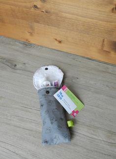 Petite pochette voyage pour brosse à dents et/ou dentifrice, pochette brosse à dent, pochette transport, pochette dentifrice, chat, cat de la boutique PetitHerissonM sur Etsy