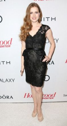 O poder do cocktail dress preto | Romântico | Amy Adams  foto: Getty