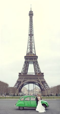 Eiffel tower // Paris