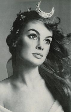 Artemis (Greek) - The Greek Goddess of the hunt, nature and birth. This maiden Goddess is symbolized by the crescent moon. (Jean Shrimpton by Richard Avedon, Jean Shrimpton, Look Vintage, Vintage Beauty, Vintage Photos, Vintage Fashion, Vintage Moon, Retro Fashion, High Fashion, Womens Fashion