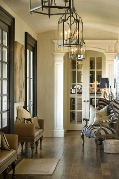 light and dark moldings together