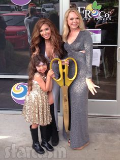 Last week was the highly anticipated grand opening of Farrah Abraham's almost mythological (at least for us) frozen yogurt restaurant Froco in the Austin, Texas suburb of Lakeway. I live near…