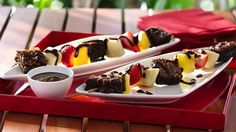 Deliver dessert in an all new way. Create kabobs with brownies and fruit drizzled with chocolate - yum!