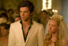Pin for Later: 26 Real Couples Who Played Couples on Screen Dominic Cooper and Amanda Seyfried, Mamma Mia!
