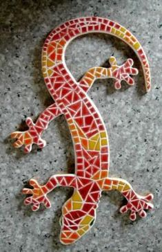 mosaique lézard - Recherche Google Mosaic Garden Art, Mosaic Tile Art, Mosaic Artwork, Mirror Mosaic, Mosaic Diy, Mosaic Crafts, Mosaic Projects, Mosaic Glass, Mosaics