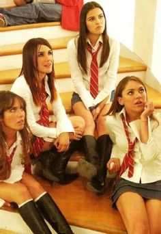 Mia,Roberta,lupita,lujan          Las Rebeldes Divas, Fantasias Halloween, Memes, Movie Tv, Tv Series, Couple Photos, Concert, Instagram, Cute