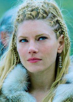 vikingshistory: Lagertha // Season 4 (x)