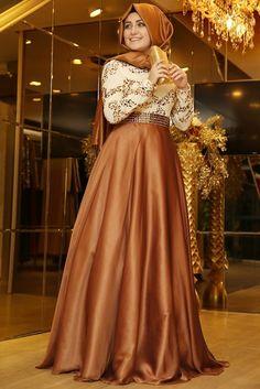 Pınar Şems Bakır Büyülü Abiye Elbise Tesettür Modeli ile ilgili tüm detayları buradan inceleyebilirsiniz