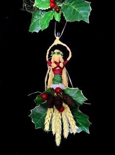Yule Corn Dolly Goddess Handmade by Rowan Duxbury positivelyagan.com
