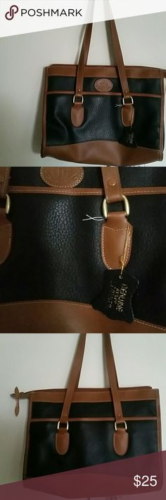 1980s Genuine Leather Purse Adorable vintage 1980s genuine leather purse. Excellent condition, a couple snags and pulls but nothing a scissors couldn't fix. M International Series Bags