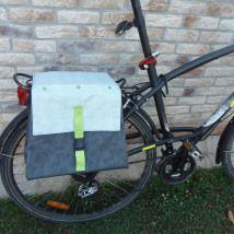 sacoche pour vélo et tissu enduit et coton d'après un tuto de Idées à faire magazine n°5