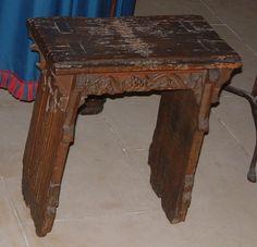 14 th century stool Mus de Cluny