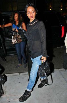 Riri 39 S Zone On Pinterest Rihanna Rihanna Street Style