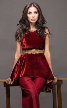Winter Velvet Dresses Designs Latest Trends Collection consists of casual and formal wedding party wear velvet gowns, bridal, shirts, frocks, etc Shadi Dresses, Pakistani Dresses Casual, Pakistani Dress Design, Stylish Dresses, Simple Dresses, Beautiful Dresses, Fashion Dresses, Indian Designer Outfits, Designer Dresses