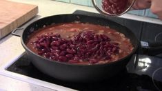 Chili con carne - Rezept von Joes Cucina Verde Chili Sauce, Cabbage, Beef, Vegetables, Food, Ground Beef Recipes, Stew, Mexican Recipes, Browning