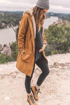 The Patagonia jacket I swear by LivvyLand # fashionhijab . - The Patagonia jacket I swear by LivvyLand # fashionhijab – outfits – - Winter Maternity Outfits, Stylish Maternity, Casual Fall Outfits, Maternity Wear, Maternity Dresses, Winter Outfits, Cool Outfits, Winter Clothes, Pregnancy Fashion Winter