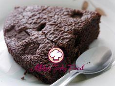 Brownie gluten free IngredientiGrammiOnce Farina per celiaci30010 Cacao amaro1505 Burro di malga42515 Zucchero62522 Fecola di patate1204 Uova88 Gocce di cioccolata per celiaci1003 1/2 Preparazione:  Sciogliere il burro in microonde . Montare lo zucchero con le uova per 10 minuti. Aggiungere il burro tiepido sciolto. Setacciare le farine e il cacao. Aggiungere a mano le farine. Riempire la teglia da forno con il bordo alto. Mettere le gocce di cioccolato sopra il composto e…