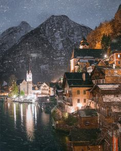 Charming village of Hallstatt by winter ☃️🎄😍 Travel Around The World, Around The Worlds, Places To Travel, Travel Destinations, Happy Sunday Everyone, Austria, Paris Skyline, The Good Place, Relax