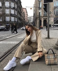 Super lazy mode activated these couple of days Spring Fashion Casual, Look Fashion, Winter Fashion, Girl Fashion, Fashion Outfits, Womens Fashion, Beige Outfit, Mode Outfits, Stylish Outfits
