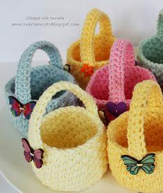 Crochet Gifts, Crochet Dolls, Easter Crochet, Crochet Baby, Crochet With Cotton Yarn, Crochet Chicken, Crochet Rabbit, Crochet Mandala, Crochet Accessories