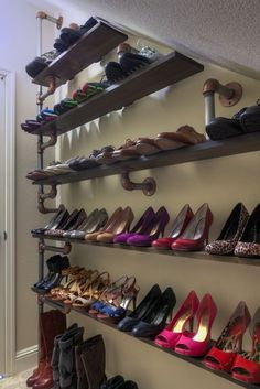 Plumbing pipe furniture Iron Pipe Shoe Rack: 8 Steps (with Pictures) A Few Helpful Tips On How To Bu Storage Hacks, Diy Storage, Storage Ideas, Storage Shelves, Storage Systems, Closet Shelves, Open Shelves, Display Shelves, Storage Cabinets