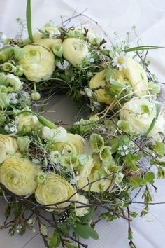 CREAM AND GREEN FLORAL WREATH