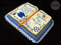 open book cake - 900×675