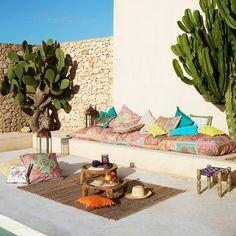 〚 Summer sketches by Zara Home 〛 ◾ Photos ◾Ideas◾ Design Outdoor Seating, Outdoor Spaces, Outdoor Living, Outdoor Decor, Porch And Terrace, Terrace Garden, Zara Home, Exterior Design, Interior And Exterior