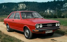 The first-generation Audi 80 entered production in July Audi 80 represented a revolution for the company and featured many new solutions, which were soon adapted to the other models Vw Group, Audi Cars, Retro Cars, Vintage Cars, Car Photos, Amazing Cars, Exotic Cars, Cars And Motorcycles, Luxury Cars