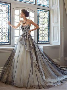 Sans bretelles Petite, Misses élégant, luxueux Glamour, dramatique Cathédrale Robe de Mariée http://www.robesdemariee2013.com/mariee/sans-bretelles-petite-misses-%C3%A9l%C3%A9gant-luxueux-glamour-dramatique-cath%C3%A9drale-robe-de-mari%C3%A9e-p-41493.htm