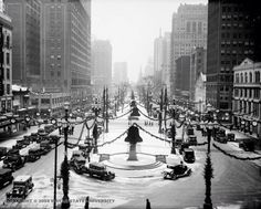 "Christmas decoration on Washington Boulevard downtown Detroit 1930 - almost looks like a scene out of ""Wonderful Life""!!"