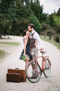 Engagement photoshoot ideas . Couple photography