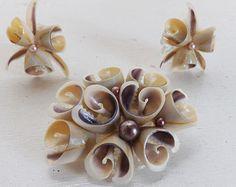 Vintage sea shell pinbeach pinReused pinVintage jewelrysea shell pinGold tone vintage sea shell brooch pinSea shell jewelry