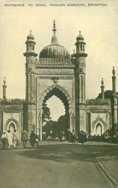 Vintage black & white postcard of the entrance to the Royal Pavilion - Gardens, Brighton, East Sussex where Tom and Elen would have visited on a date. Brighton East Sussex, Brighton England, Brighton And Hove, England Uk, Palermo, Brighton Museum, Images Of England, Pavillion, Corpus