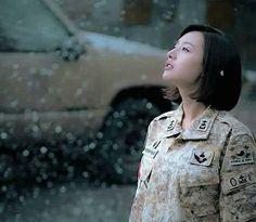 [Descendants of the Sun] Korean Drama Korean Actresses, Korean Actors, Actors & Actresses, Korean Dramas, Song Hye Kyo, Song Joong Ki, Seo Dae Young, Desendents Of The Sun, Kdrama
