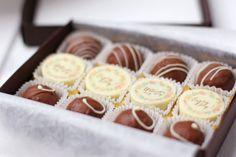 Dreierlei Liebelei-Pralinenkollektion in Zusammenarbeit mit chocolate valley auf http://dreierlei-liebelei.blogspot.de/2014/01/dreierlei-liebelei-pralinen-kollektion.html
