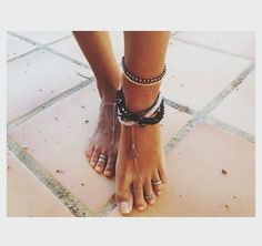Anklets and toe rings Ankle Jewelry, Jewelry Box, Jewelery, Jewelry Accessories, Ankle Bracelets, Ethno Style, Bare Foot Sandals, Diamond Are A Girls Best Friend, Toe Rings