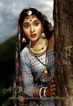 Actress, singer, and dancer Vyjayanthimala was the first South Indian actress who made it as a national star and was one of the biggest ever Hindi film female stars in a career lasting almost two decades. Bollywood Heroine, Beautiful Bollywood Actress, Beautiful Indian Actress, Bollywood Photos, Indian Bollywood, Bollywood Stars, Indian Look, Indian Star, Jaisalmer