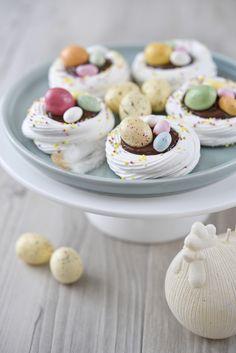 Mini chocolate pavlova #christmaschocolate  #christmas  #songmics