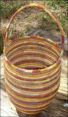 www.arnhemweavers.com.au   the most beautiful Australian Indigenous baskets - love, love