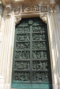 door, milano, italy