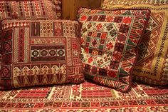 palestinian embroidery on pillow Cross Stitching, Cross Stitch Embroidery, Embroidery Patterns, Cross Stitch Patterns, Crazy Quilting, Palestinian Embroidery, Cushions, Pillows, Deco Design