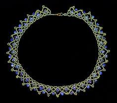 volný navlékání korálků-vzor-náhrdelník-tutorial-1