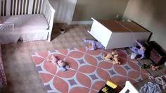 На детей упал комод ,Брат спас брата.Two year old miraculously
