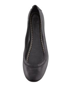 Shop Women's Frye Black size 9 Flats & Loafers at a discounted price at Poshmark. Ballerina Flats, Ballet Flats, Celebrity Shoes, Shoe Sites, Frye Shoes, Leather Flats, Loafers, Slip On, Celebrities
