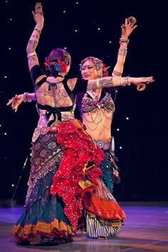 ATS love ♥ Kae Montgomery & Kristine Adams, FatChanceBellydance (Kae has a great tassel belt, with the stacked heart medallions at the back)